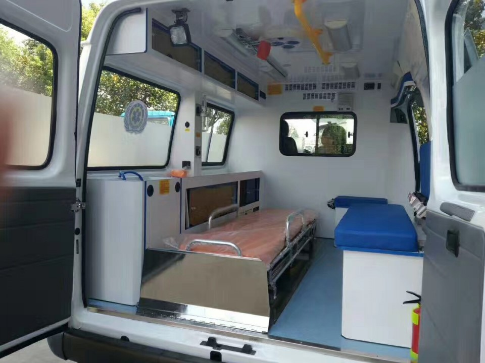 JHW5035XJH型救护车3