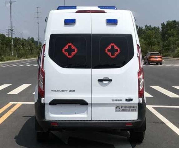 福特全顺V362救护车