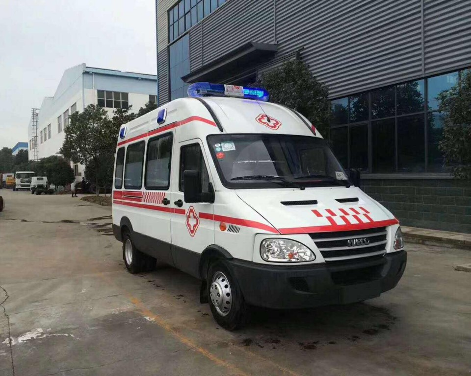 依维柯重症监护型救护车