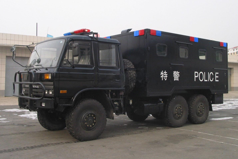东风六驱越野炊事车