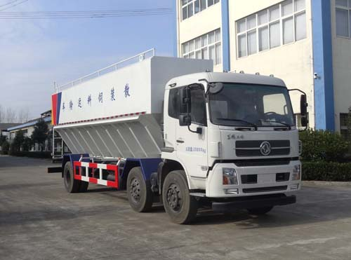 东风天锦小三轴散装饲料运输车